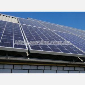 Солнечные панели на одной из крыш.