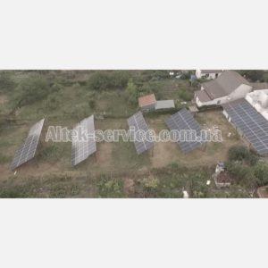 Солнечная станция 50 кВт. Ракурс сбоку, с правой стороны.