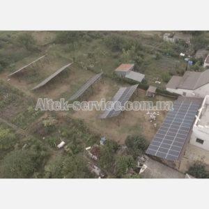 Солнечная станция 50 кВт. Ракурс сверху, с верхнего правого угла.